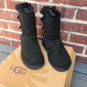 New Uggs- Bailey Collection